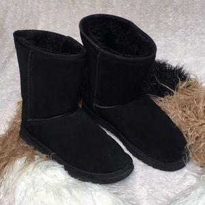 UGG boot classic short II black F19010D sz 10